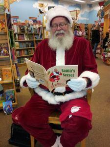 Santa reading SS (2)